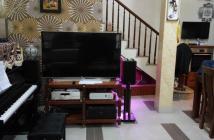 Cần bán nhà riêng tại Mỗ Lao, Quận Hà Đông, dt 50m2 x 3 tầng nhà đẹp,vị trí sát công viên.