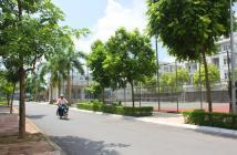Bán nhà liền kề LK27 KĐT Văn Phú, quận Hà Đông, trước nhà là trường học.