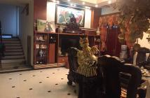 Cần bán rất gấp nhà 5.5 tầng trong ngõ đẹp nhất Đê La Thành, Ô tô vào nhà, cách phố khoảng 10 m