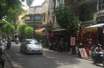 Cần bán nhà mặt phố Hàng Mã diện tích 76/80m2x3 tầng, mặt tiền 4.66m. SĐT 0932092631