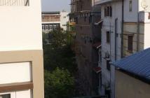 Cần bán nhà gấp phố Lạc Long Quân, DT 70m2, 5 tầng, MT 4.7m, giá bán 8.3 tỷ TL