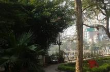 Bán nhà mặt phố Trúc Bạch, Tây Hồ, Hà Nội, 103m2 MT 4,2m vị giá 220tr/m2