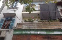 Bán gấp nhà đẹp Trần Quốc Hoàn, Cầu Giấy, 40m, phân lô, ô tô