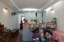 Bán nhà tập thê Đường Sắt,ngõ 447 Ngọc Lâm,P303 nhà A2,đối diện công viên,210m2,giá 2.7 tỷ
