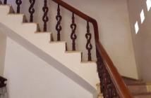 Cần bán Nhà trong ngõ Thụy Khuê, DT 42 m2 x 4,5 tầng. Nhà vuông vắn, có mái tôn lạnh chống nóng