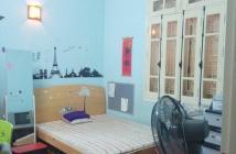 Gia đình cần bán gấp nhà mặt phố Hàng Lược, vị trí đẹp nhất phố, cách chợ Đồng Xuân 70m