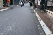 Đất kinh doanh mặt đường nhựa 5m hai mặt thoáng tại Long Biên Giá chỉ 1,8 tỷ. LH: 0971479014.