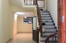 Bán nhà Tựu Liệt, Thanh Trì, nhà xây có tầng lửng, thiết kế cực đẹp, ô tô đỗ sát nhà