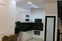 Bán nhà 5 tầng mới Full nội thất, Nguyễn Văn Cừ, ở ngay.