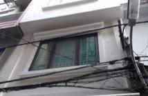 Bán nhà  mặt Phố Trần Quốc Hoàn , Q Cầu Giấy, Dt 40/50m2 giá 8.9ty
