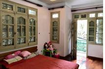 Bán nhà ngõ phố Giảng Võ quận Ba Đình, lô góc 3 thoáng, đẹp, 70m2, giá chỉ 5.7 tỷ.