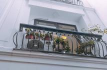 Bán nhà phố Nguyễn Văn Cừ, full nội thất, về ở luôn, giá chỉ 2.95 tỷ. LH 0981092063