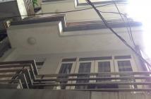 Bán nhà Hai Bà Trưng, 2.2 tỷ, 18m2 x 6 tầng mặt phố Đê Trần Khát Chân