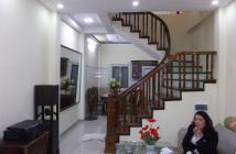 Vỡ nợ lô đề bán nhà gấp ở Nam Từ Liêm, xây 4 tầng, 40 m2, giá 2.6 tỷ