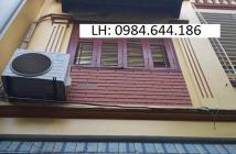 Nhà đẹp, ô tô đỗ cửa ngày đêm Trần Phú, Hà Đông. 35m2, giá 2.65 tỷ. LH 0984644186.