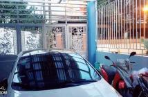 Trời ơi, giá 2.99 tỉ nhà gần chợ Ngọc Thụy 4 tầng, 43m2, ô tô đỗ cổng