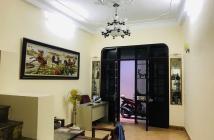 Bán gấp nhà Hoàng Quốc Việt, vừa đẹp, vừa rẻ, chỉ 60tr/m2, giá 3.4 tỷ