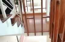 Bán nhà Chùa Láng, quận Đống Đa, nhỉnh 3 tỷ, kinh doanh thu 20tr/th. LH 0902181788
