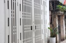 Bán nhà Phú Diễn 40m2, mặt tiền 5m, giá 5.2 tỷ, vỉa hè 5m. ô tô đỗ cửa.