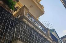 Bán nhà 3 tầng TT Đông Anh  68m2 đường ô tô, full nội thất sẵn ở, giá 2,05 tỷ.