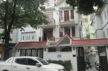 CC bán biệt thự mặt hồ Vĩnh Hoàng 2 mặt đường view hồ 218m2 chỉ 32.89 tỷ. LH: 0989.62.6116