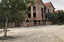 Bán biệt thự xây thô 198m2 căn góc khu đô thị Quang Minh Vinaconex 2 Mê Linh giá 5,3 tỷ đồng. LH: 0969595243